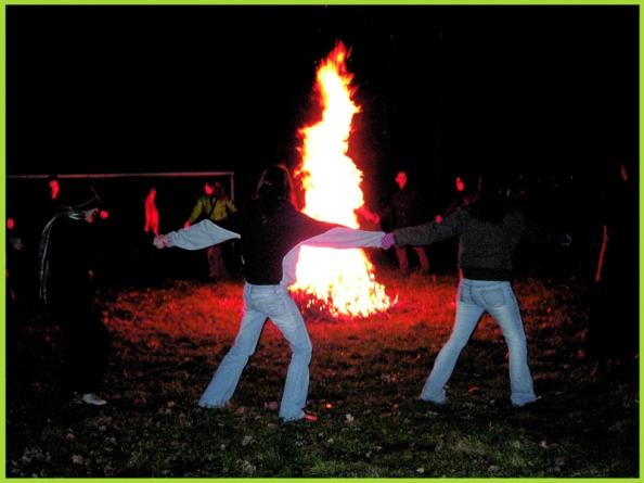 fuoco_sacro_lux_tenebris_culto_dei_morti_pasqua (1)