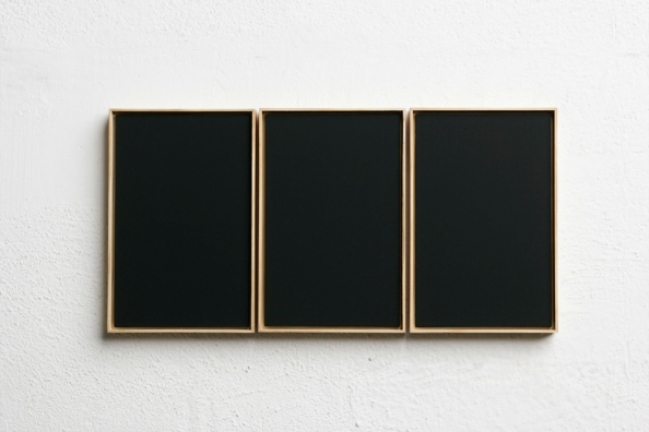 Fabrizio Parachini%2C Trittico NO107%2C acrilico su MDF%2C 2 x13%2C7cm. (tre elementi)%2C 2007. Courtesy Theca Gallery Milano