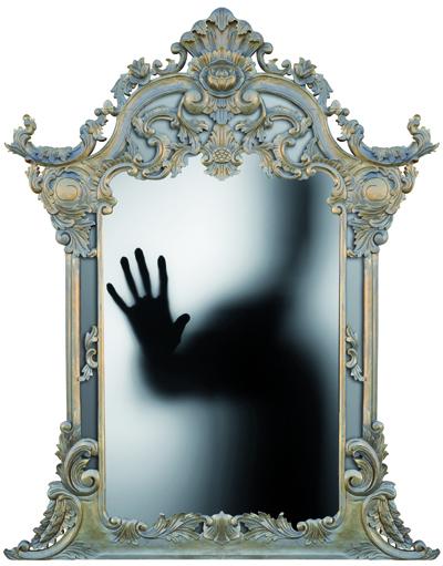 Janis_Heaphy_Durham_la_mano_sullo_specchio (1)